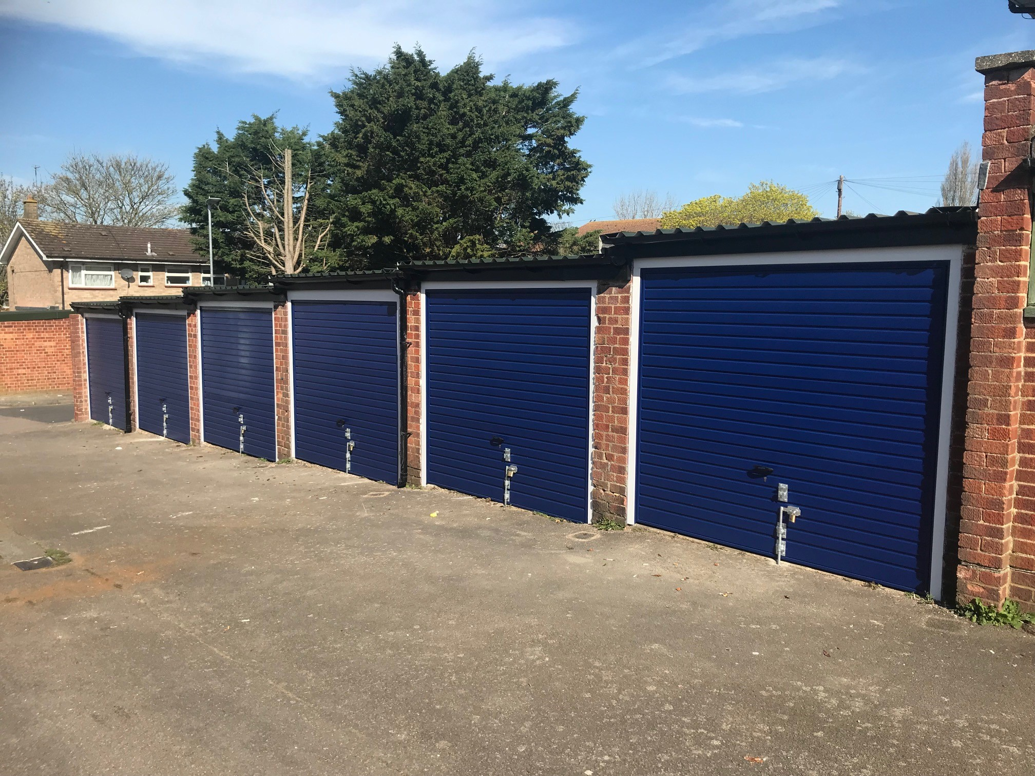 Newly refurbished garages in Watford Hurry call 01923 522510